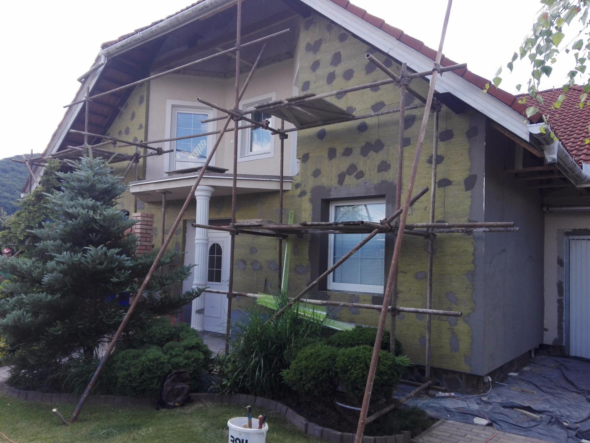 rekonštrukcia domu - oprava fasády